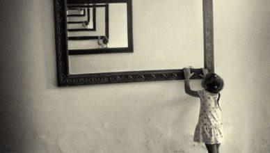 fillette-aux-miroirs